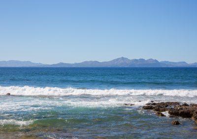 Colònia de Sant Pere - Blick aufs Meer und die Berge von Alcúdia Mallorca