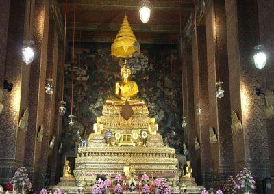 Bangkok - Wat-Pho Statue Phra Phuttha Thewapatimakon