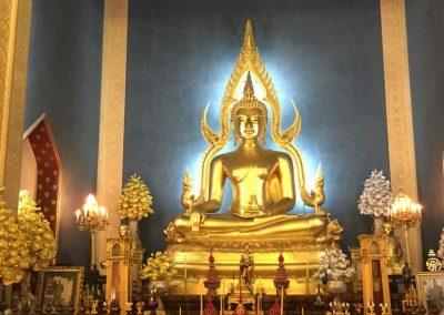 Bangkok - Wat Benchamabopitr - Buddha-Statue im Tempel