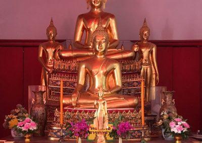 Bangkok – Wat Iam Woranutch – Buddha-Statue im Hauptgebäude