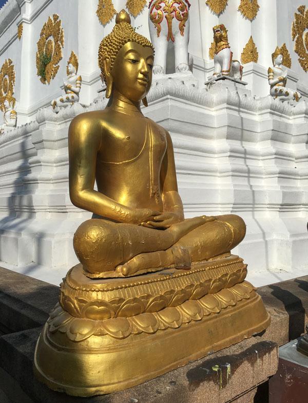 Chiang Mai - Wat Chiang Yuen - Buddha-Statue