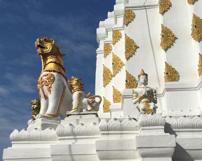 Chiang Mai - Wat Chiang Yuen - Löwenwächter