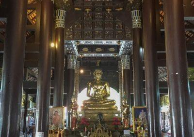 Chiang Mai - Wat Lok Molee - Gebetshalle mit Buddha-Statue