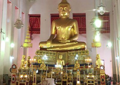 Bangkok – Wat Mahathat – Gebetshalle mit Buddha-Statue