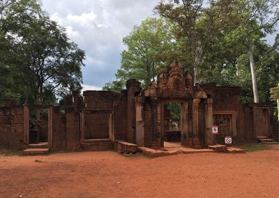 Angkor - Banteay Srei - Eingangsportal