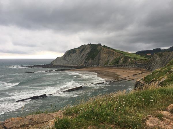 Camino del Norte - Von Zumaia nach Deba - Der Blick über die Bucht in Zumaia