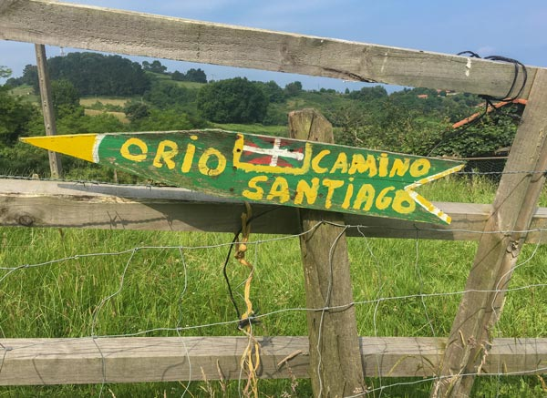 Camino del Norte - San Sebastian nach Zarautz - Schild als Wegweiser