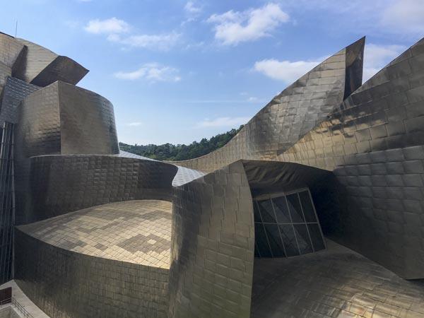 Camino del Norte - Bilbao Guggenheim Museum seitlich