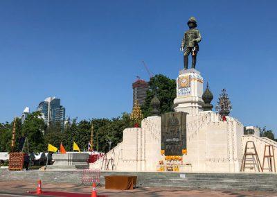 Lumphini Park - King Rama VI Monument