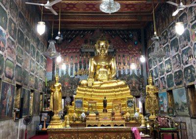Wat Paknam Phasi Charoen - goldene Buddha-Statue