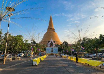 Phra Pathom Chedi - Haupteingang