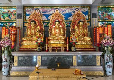 Kanchanaburi - Wihan Phra Phothisat Kuan Im Tempel innen