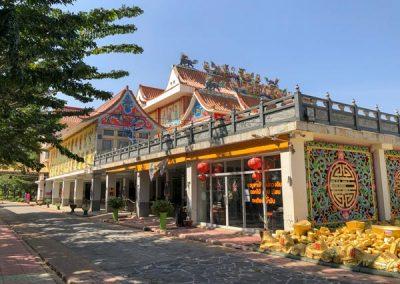 Kanchanaburi - Wihan Phra Phothisat Kuan Im Tempel