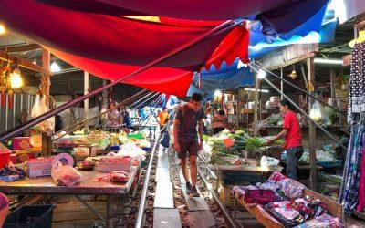 Maeklong Railway Market und Amphawa Floating Market