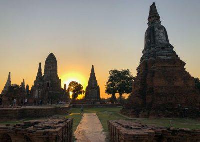 Ayutthaya - Wat Chai Watthanaram bei Sonnenuntergang