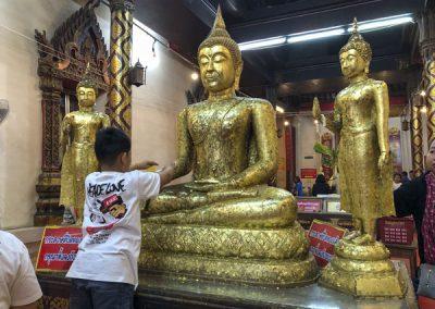 Ayutthaya Wat Phanan Choeng - Buddha-Statuen