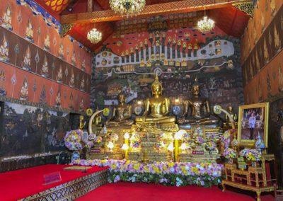 Ayutthaya Wat Phanan Choeng - Buddha-Statuen im Viharn