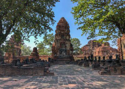 Ayutthaya Wat Mahathat - Prang und Buddha-Statue
