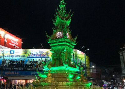 Chiang Rai Clock Tower um acht Uhr abends
