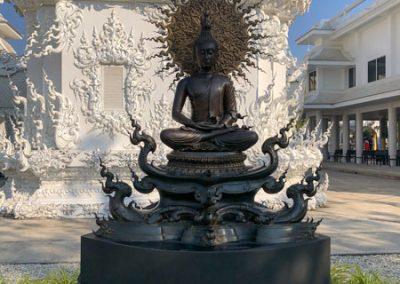 Chiang Rai Wat Rong Khun - Skulptur im Garten