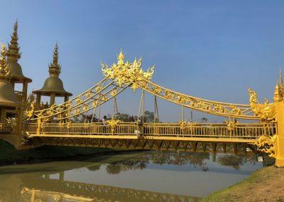 Chiang Rai Wat Rong Khun - Goldene Brücke