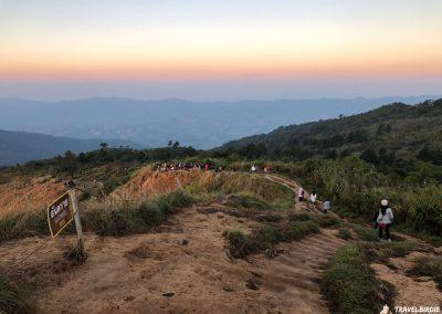 Phu Chi Fa - Auf dem Weg nach unten, um noch mehr Fotos zu schießen, 6:50 Uhr