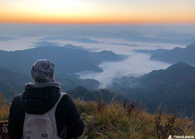 Phu Chi Fa - Nach und nach taucht das Licht hinter dem Erdschattenbogen auf, 6:40 Uhr