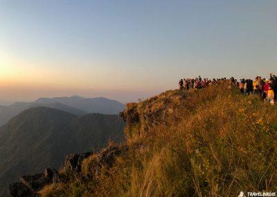 Phu Chi Fa - Nach und nach taucht das Licht hinter dem Erdschattenbogen auf, 6:23 Uhr