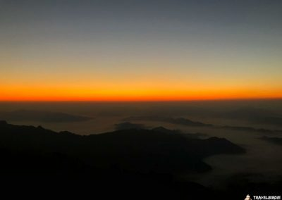 Phu Chi Fa - Nach und nach taucht das Licht hinter dem Erdschattenbogen auf, 6:18 Uhr