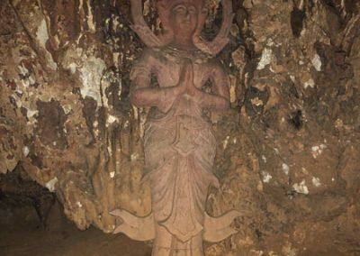 Tham Pla Cave - Skulptur in der Höhle