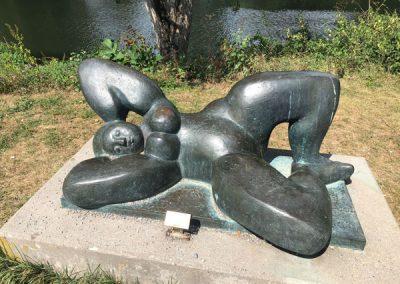 Bietigheim-Bissingen - Bürgergarten - Skulptur Liegende 1980