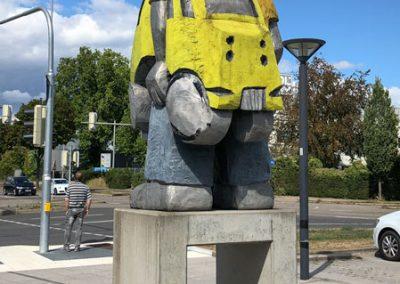 """Bietigheim-Bissingen - Skulptur """"Taxifahrer"""" am Bahnhof"""