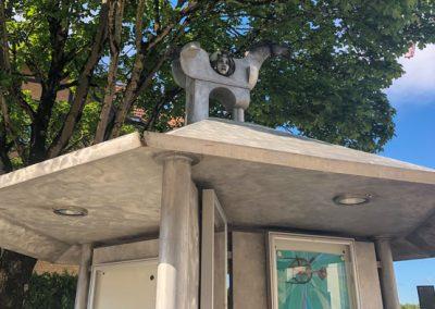 Bietigheim-Bissingen - Pferdeskulptur auf dem Dach der Bushaltestelle