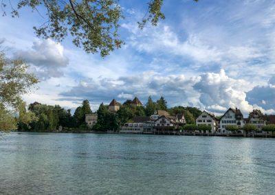 Rhein mit Blick auf Schloss Gottlieben
