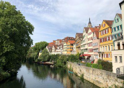 Blick von der Eberhardsbrücke auf den Neckar