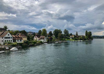 Stein am Rhein: Blick von der Brücke auf die andere Seite des Rheins