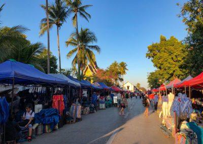 Der Nachtmarkt beginnt