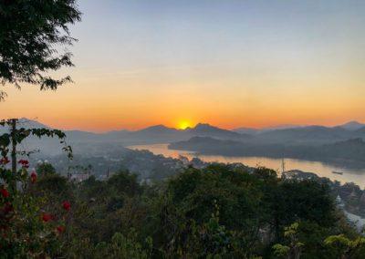 Blick auf den Mekong bei Sonnenuntergang auf dem Phousi Hill in Luang Prabang