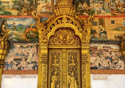 Vat Phonxay Luang Prabang - Verzierte Eingangstür