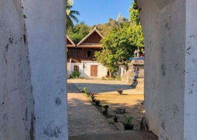 Wat Aham in Luang Prabang: Tor zum Nachbartempel Wat Visounarath