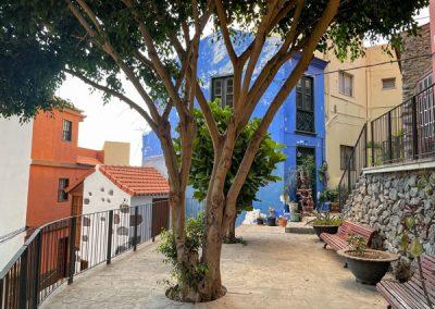 La Gomera - Valle Gran Rey - Kunstwerke vor Häusern